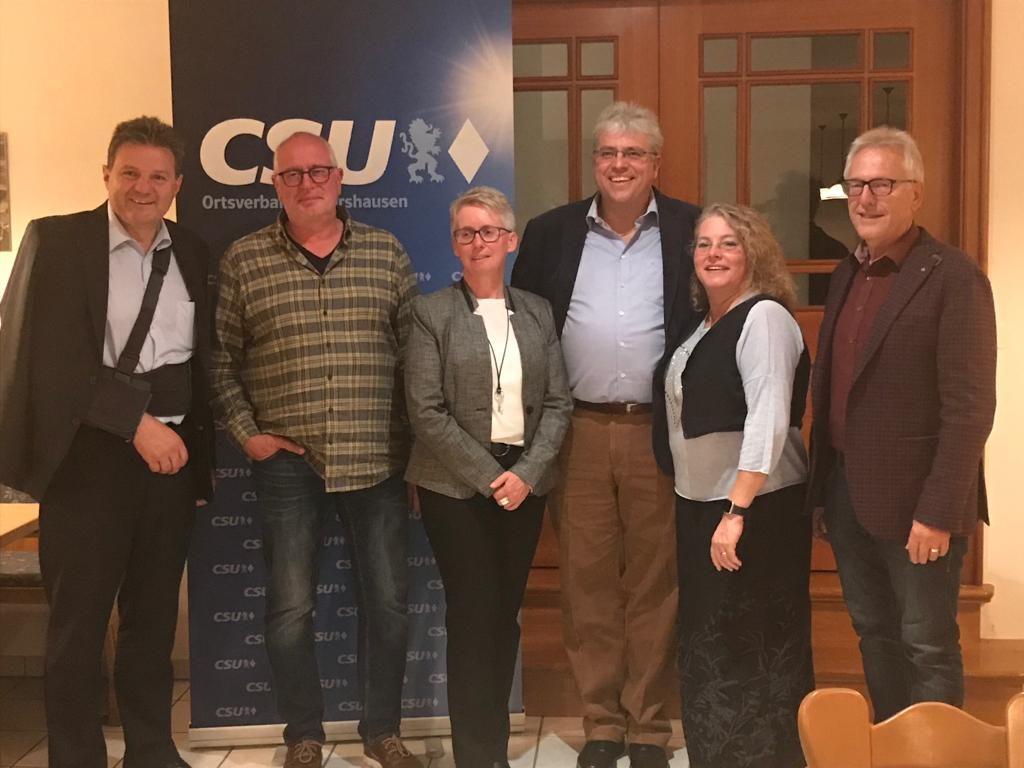 Bild von der Aufstellungskonferenz mit dem Kandidaten und weiteren Mitgliedern des Ortsverbands